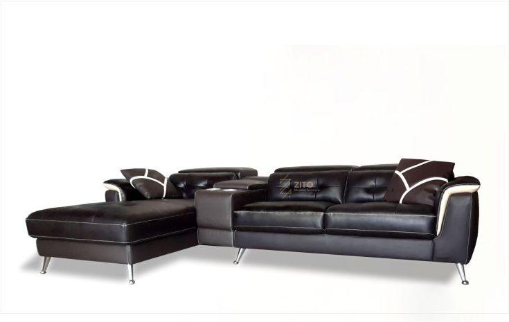 sofa da phòng khách tại zito