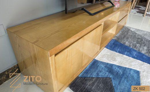 Kệ để tivi bằng gỗ hiện đại được gia công chắc chắn