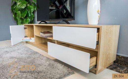 Thiết kế kệ gỗ để tivi bằng gỗ Sồi ZK 504 có những ngăn kéo hiện đại, tiện dụng