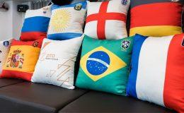 Hình ảnh gối ôm Worldcup dành cho sofa phòng khách