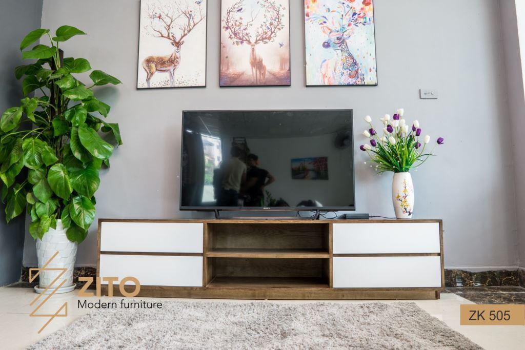 Kiểu dáng kệ tivi gỗ tự nhiên ZK 505 S08 rất bắt mắt