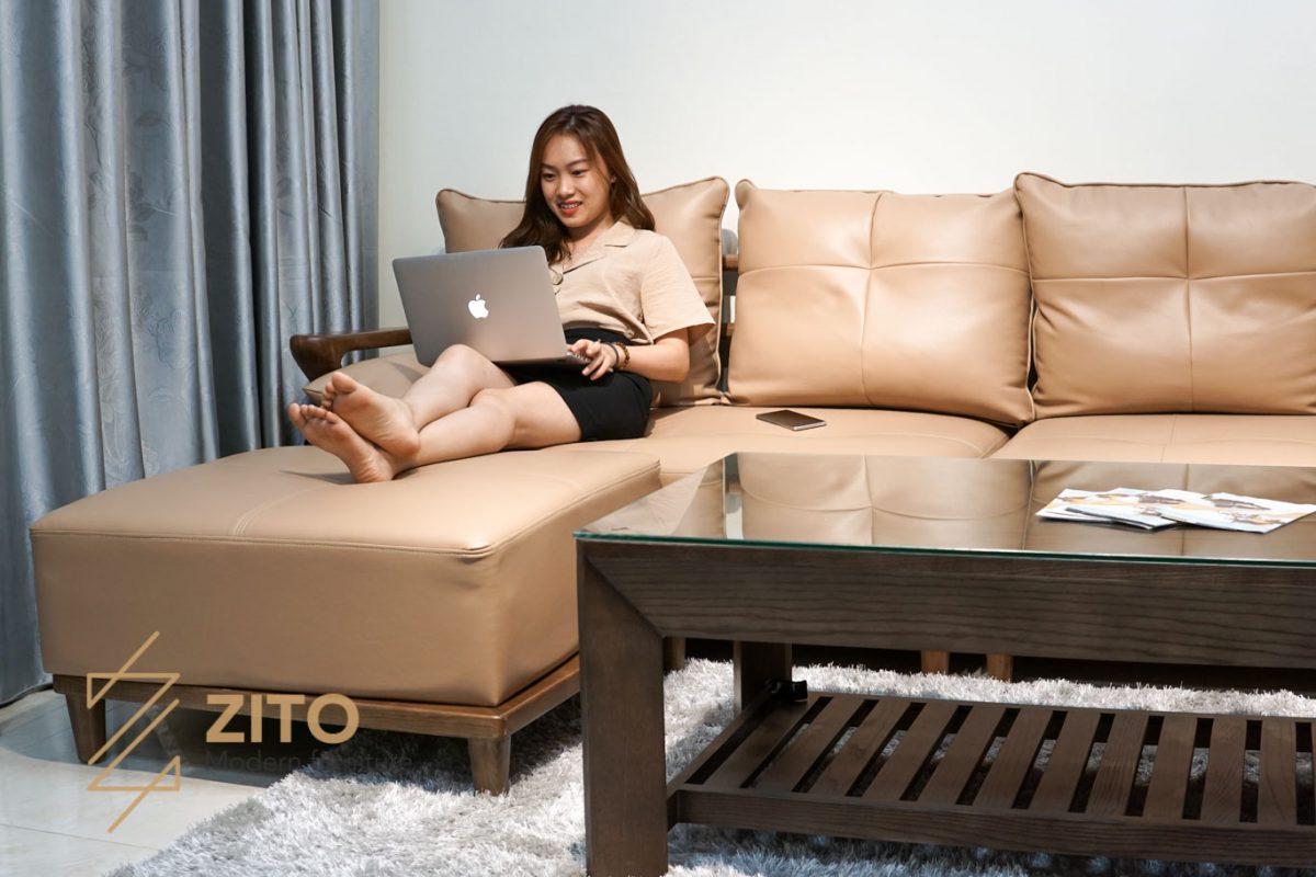 Chất liệu đệm da cao cấp của sofa gỗ sồi đẹp ZG 137